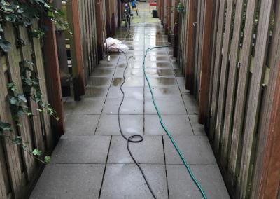 Binnentuin en trespa gevelbekleding reinigen